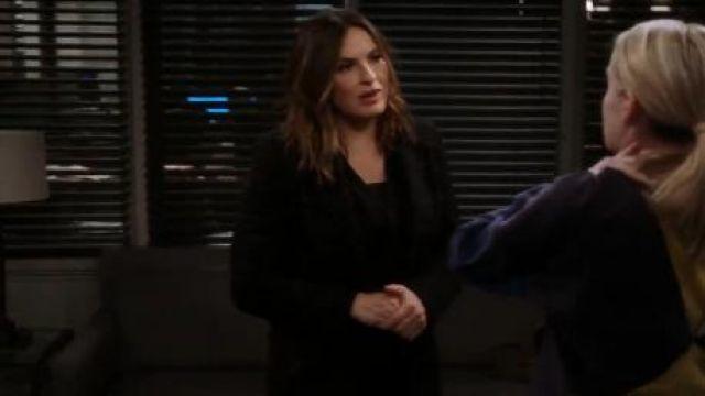 Black Checked Blazer worn by Olivia Benson (Mariska Hargitay) in Law & Order: Special Victims Unit Season 21 Episode 17