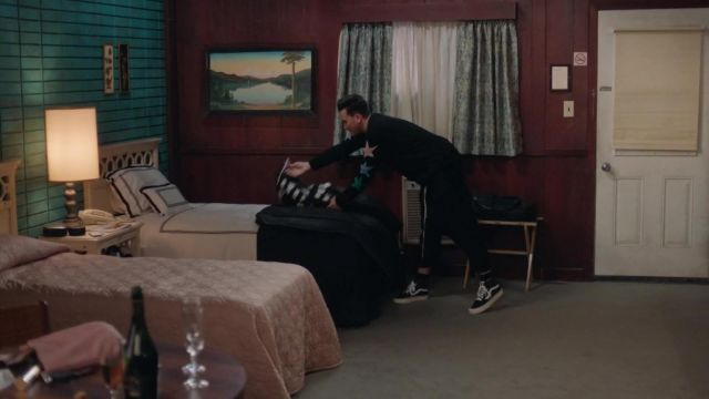 Vans Old Skool Hi Top sneakers in black worn by David Rose (Daniel Levy) as seen in Schitt's Creek (S06E14)