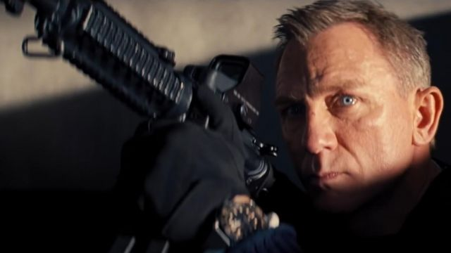 The Omega watch Seamaster James Bond 007 (Daniel Craig) in Dying can wait