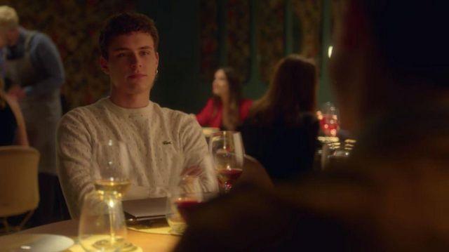 Le sweatshirt Lacoste porté par Ander (Arón Piper) dans la série Élite (Saison 2 Épisode 4)