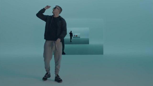 Les sneakers Dior portées par Vald dans le clip Qui dit mieux de Gringe feat. OrelSan, Vald, Suikon Blaz AD