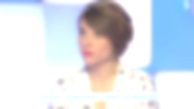 The blouse print astro Melanie Taravant in C to tell the 14.02.2020