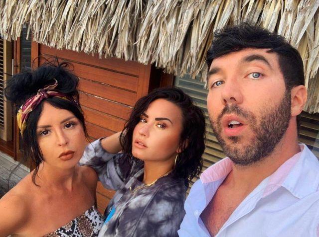 Le t-shirt à manches longues Palm Angels de Demi Lovato sur son compte Instagram @ddlovato