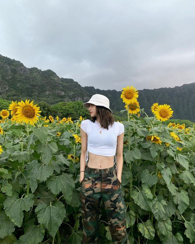 Camouflage Tactical Pants of Lisa on the Instagram account @lalalalisa_m
