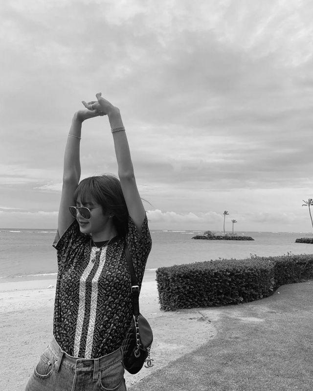 Monogram Stripe Print Cotton Oversized T-shirt of Lisa on the Instagram account @lalalalisa_m