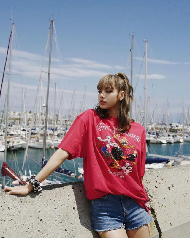 Printed Cotton T-shirt of Lisa on the Instagram account @lalalalisa_m