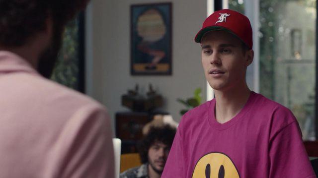 La crainte de Dieu casquette Rouge chapeau porté par Justin Bieber dans DAVE (S01E08)