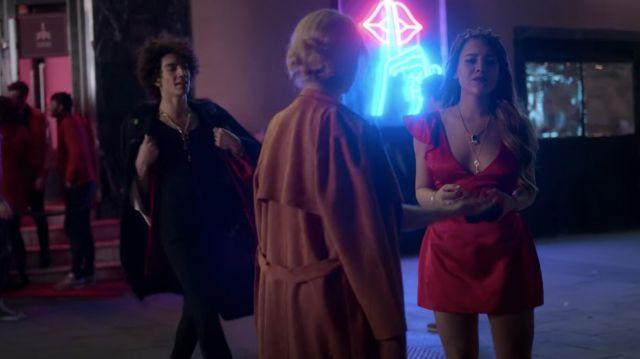 Clé de Collier pendentif porté par Lu (Danna Paola) comme on le voit dans l'Élite (S02E03)