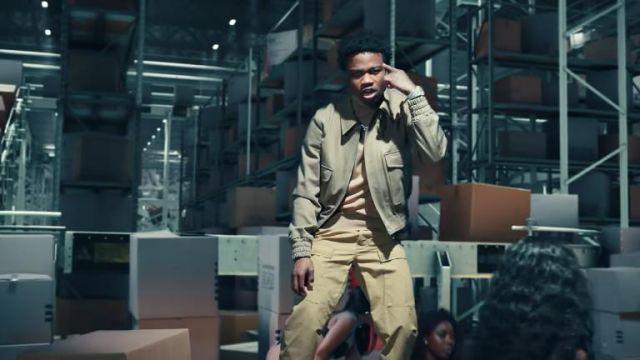 Veste portée par Roddy Ricch dans UPS scène de La Boîte (official Music Video)