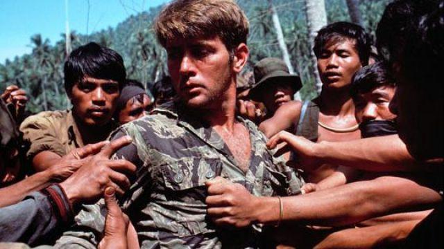 La veste d'uniforme camouflage portée par le Captain Benjamin L. Willard (Martin Sheen) dans Apocalypse Now
