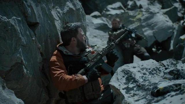 Orange Veste porté par Tom 'Redfly' Davis (Ben Affleck) comme on le voit dans la Triple Frontière