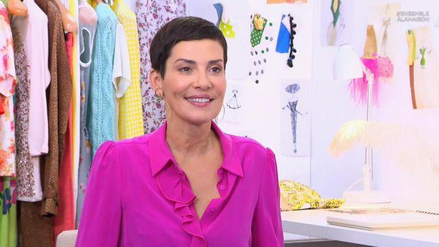 La chemise à volant fuchia de Cristina Córdula dans Les reines du shopping