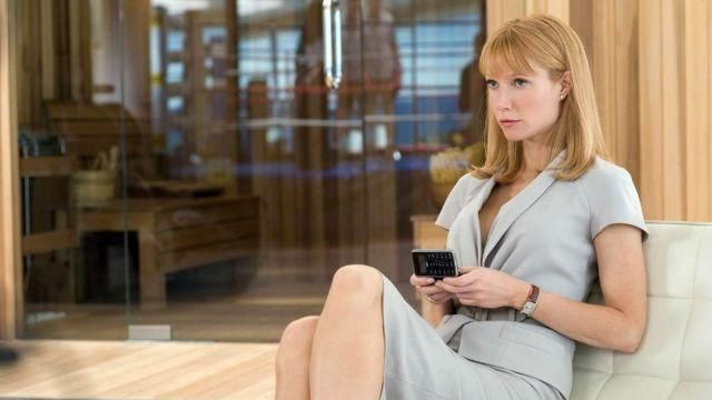 The tailor's clear blue (Gwyneth Paltrow) in Iron Man 2