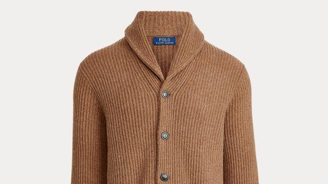 Polo Ralph Lauren Laine Châle Col Cardigan porté par Ray (Charlie Hunnam) chez Les Messieurs