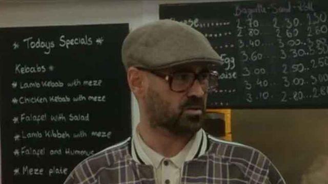 La casquette en laine portée par Coach (Colin Farrell) dans The Gentlemen
