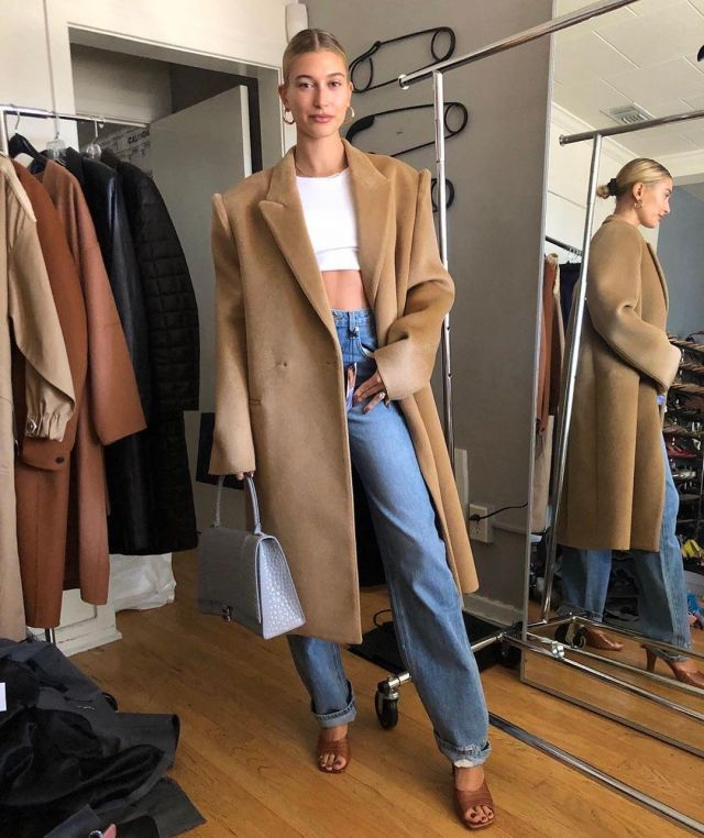 Steele Ba­by Tee of Hailey Baldwin on the Instagram account @haileybieber May 3, 2020