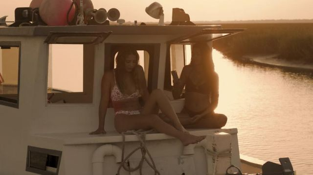 Swimsuit worn by Sarah Cameron (Madelyn Cline) in Outer Banks (S01E06)