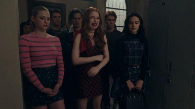 Black Tote Bag worn by Veronica Lodge (Camila Mendes) in Riverdale Season 4 Episode 19