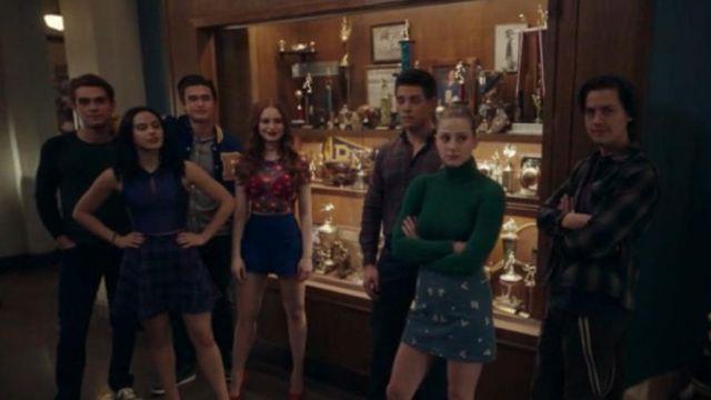 Daisy Mesh T-Shirt worn by Cheryl Blossom (Madelaine Petsch) in Riverdale Season 4 Episode 19