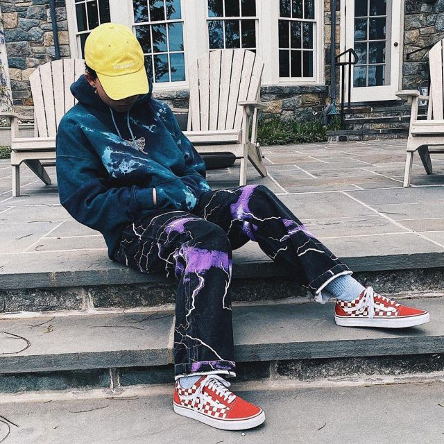 Sneakers Vans red checkered worn by Jacob Sartorius on his account Instagram @jacobsartorius