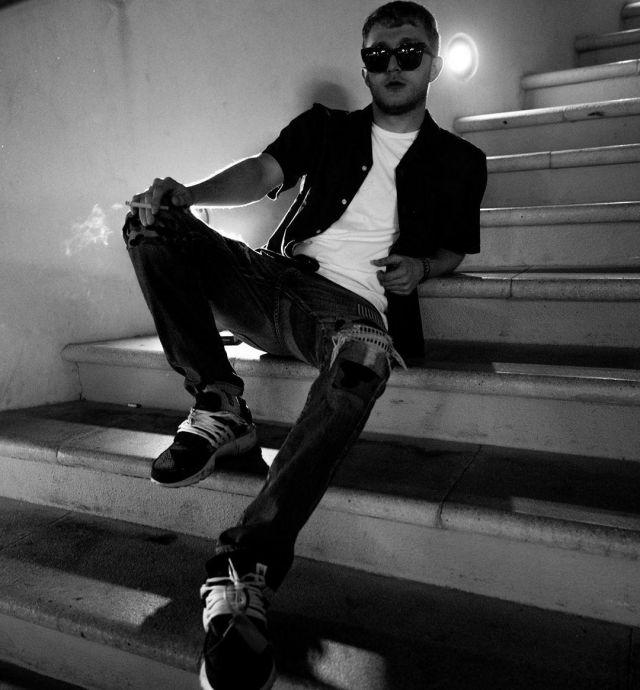 La chemise noire portée par Vald sur son compte Instagram @valdsullyvan