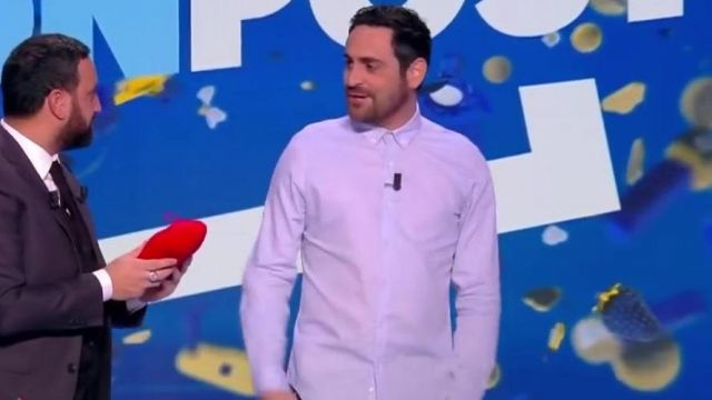 La chemise blanche portée par Camille Combal dans Touche pas à mon poste