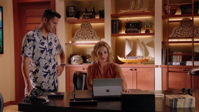 Hawaiian Shirt worn by Thomas Magnum (Jay Hernandez) in Magnum P.I. (S02E12)