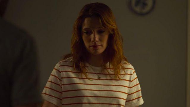 La marinière rouge et blanche de Valeria (Diana Gómez) dans Valeria (S01E06)