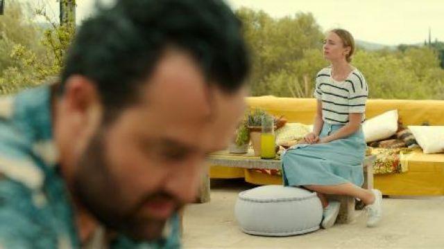 Espadrilles blanches portées par Zoe Walker (Laura Haddock) dans les Lignes Blanches de la Saison 1 Épisode 2