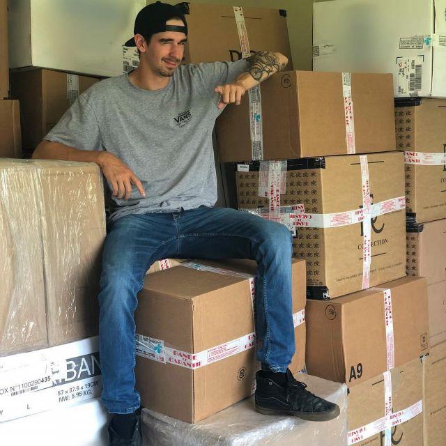 Les sneakers Vans montantes portées par Vodka sur son compte Instagram @vodkirl