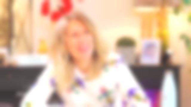 Le sweat à manches longues avec ancres imprimées all-over de Agathe Lecaron dans La maison des maternelles le 22.05.2020