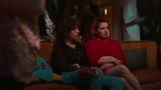 Essential Silk Shirt worn by Lola (Silma López) in Valeria Season 1 Episode 4