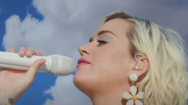 Rebecca de ravenel Daisy Drop Earrings worn by Katy Perry on Good Morning America May 23, 2020