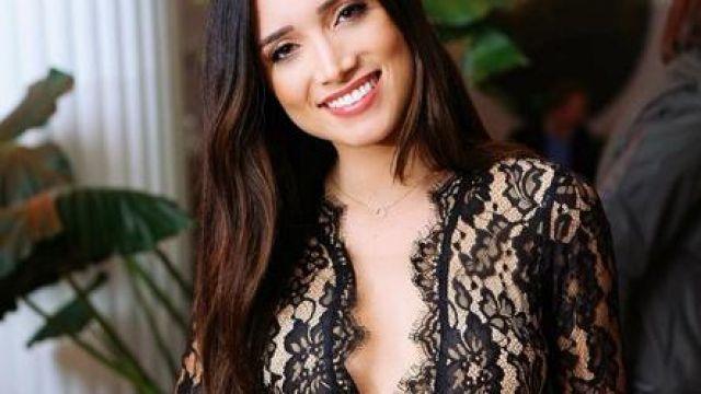 Dentelle noire à Manches Longues Combinaison portée par Nicole Lopez-Alvar dans Le Bachelor Saison de 24