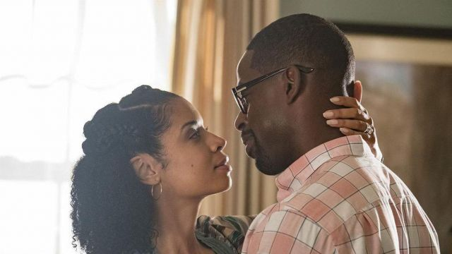 The collection of gold hoop earrings worn by Beth Pearson (Susan Kelechi Watson) in This Is Us (S02E05)