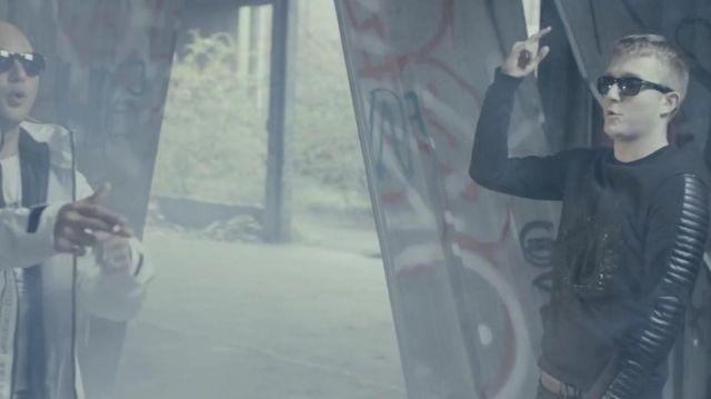 Le sweatshirt Horspit porté par Vald dans la vidéo PLUS HAUT - Les Marches De l'Empereur Saison 3 de ALKPOTE