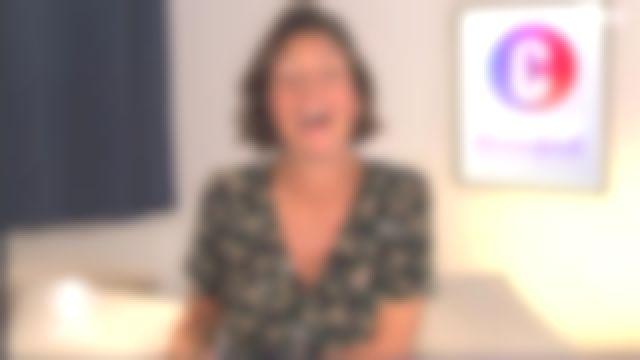 La robe mi-longue cache coeur en crêpe de soie de Alessandra Sublet dans C'est Canteloup le 29.05.2020