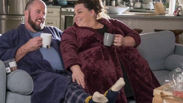 Le pantalon de pyjama porté par Toby Damon (Chris Sullivan) dans This Is Us (S02E09)