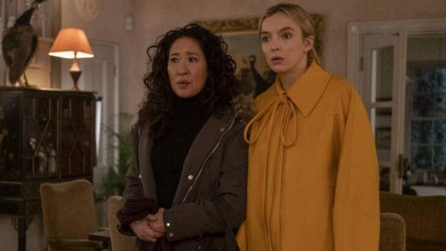 Loewe mustard coat worn by Villanelle (Jodie Comer) in Killing Eve (S03E08)