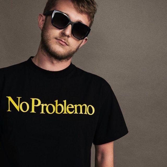Le t-shirt No Problemo porté par Vald sur son compte Instagram @valdsullyvan