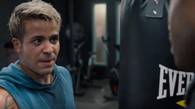 Le sweat à capuche sans manches bleu de Tony Padilla (Christian Navarro) dans 13 Reasons Why (S04E01)