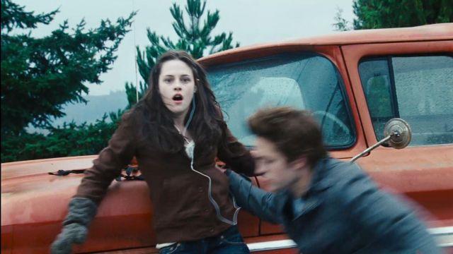 Brown hoodie worn by Bella Swan (Kristen Stewart) as seen in Twilight