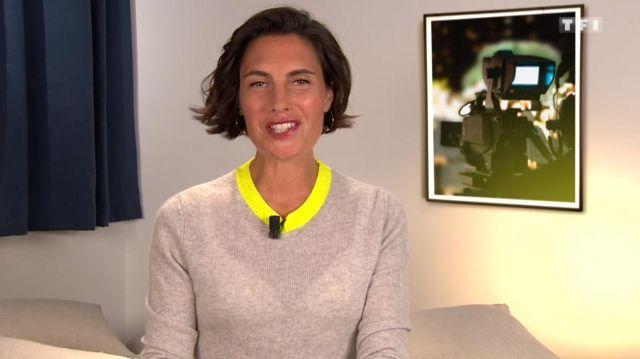 Le pull gris à col jaune de Alessandra Sublet dans C'est Canteloup