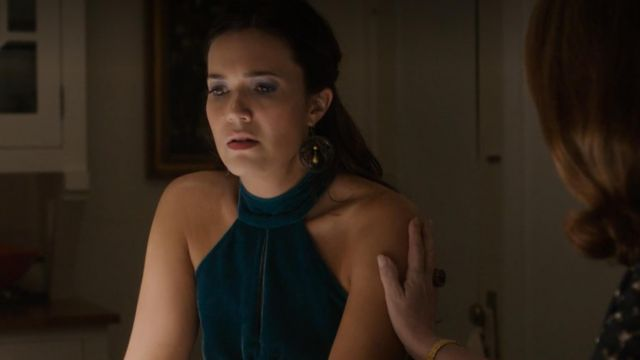The dress blue velvet Rebecca Pearson (Mandy Moore) in This Is Us (S04E10)