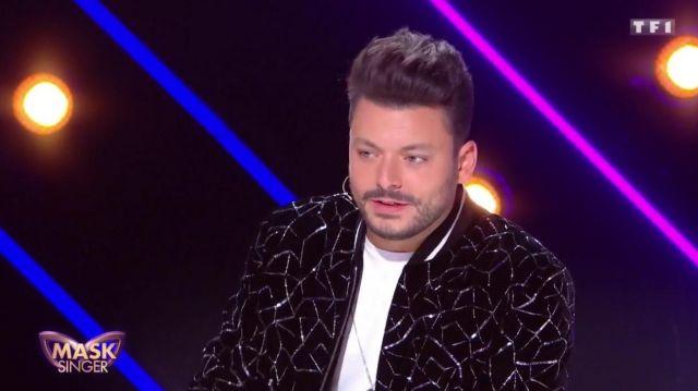 La veste bomber à paillettes Saint Laurent de Kev Adams dans Mask Singer du 22 novembre sur TF1
