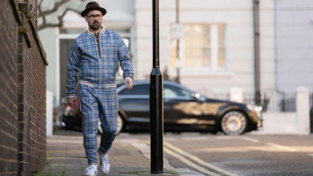 Les sneakers Adidas de Coach (Colin Farrell) dans The Gentlemen
