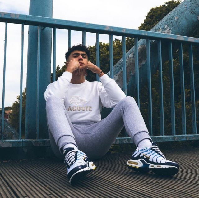 Sneakers Nike-TN-blue-and-white worn by Inoxtag on his account ...
