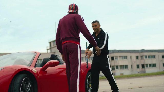 Le pantalon de survêtement Balenciaga porté par Sofiane dans le clip Zé de Zeguerre