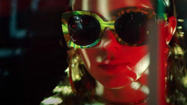 Versace Jungle Imprimer Medusa Squared Lunettes de soleil portées par Kendall Jenner en Versace Printemps-Été De 2020 | Lunettes | Kendall Jenner