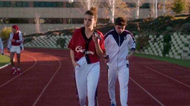 Ruben Galarreta Red crop top worn by Rebeca de Bormujo (Claudia Salas) in Elite (S02E01)